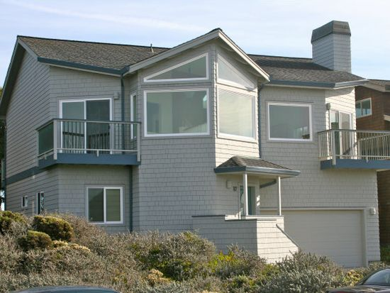 87 Puffin Ln, Watsonville, CA 95076