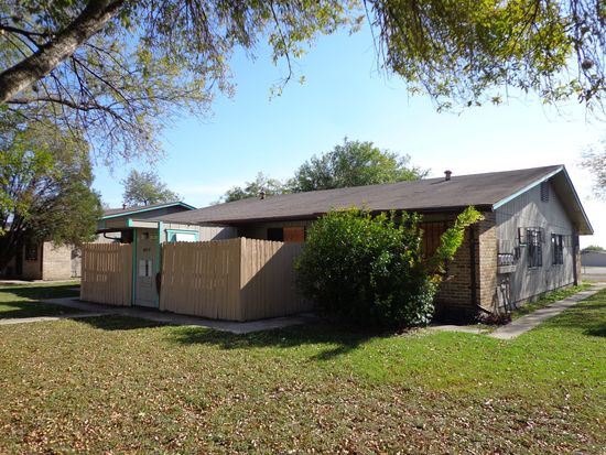 5854 Elm Valley Dr APT 1, San Antonio, TX 78242