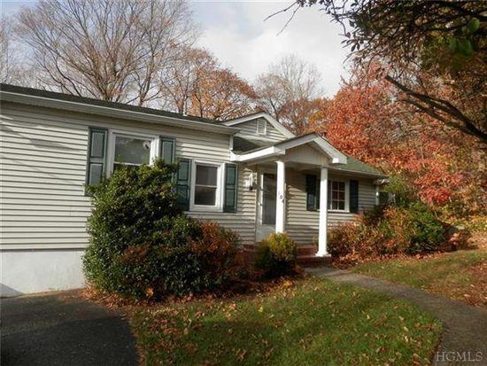 104 Woodland Dr, Kent Lakes, NY 10512