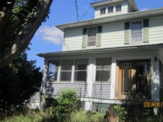 205 Cedar St, Bluefield, WV 24701