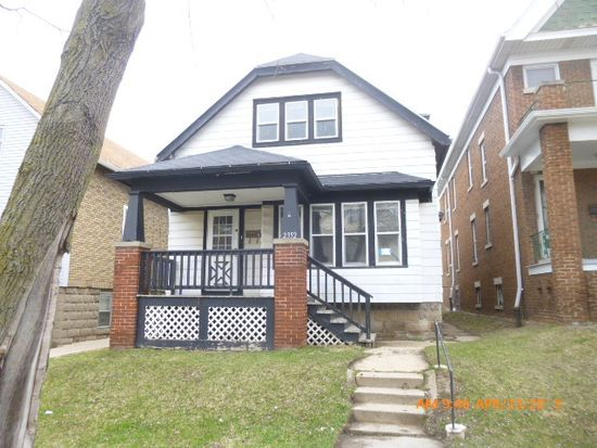 2352 S 8th St, Milwaukee, WI 53215