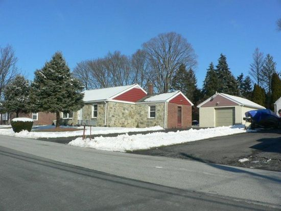305 Dahlia Rd, Lancaster, PA 17602