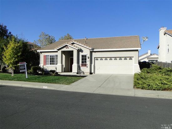 625 Blossom Oak Ct, Vacaville, CA 95688