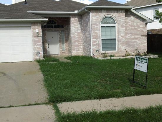 211 Ember Glen Dr, Arlington, TX 76018
