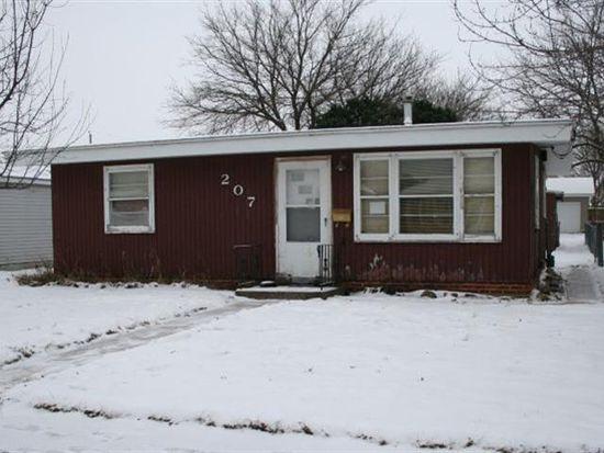 207 25th St SW, Mason City, IA 50401