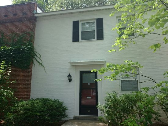 137 Independence Dr, Chestnut Hill, MA 02467