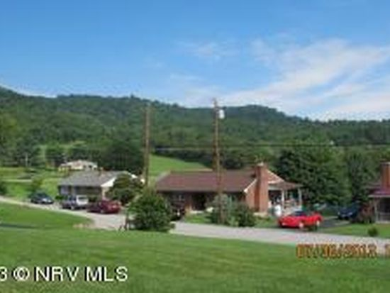 303 Mountain Dr, Pearisburg, VA 24134