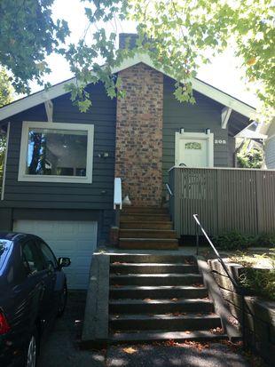 205 Mcgraw St, Seattle, WA 98109