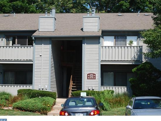 411 Hickory Ct, Lansdale, PA 19446