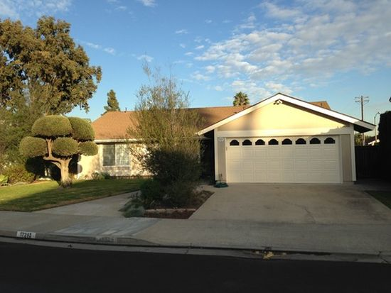 17292 Whetmore Ln, Huntington Beach, CA 92647