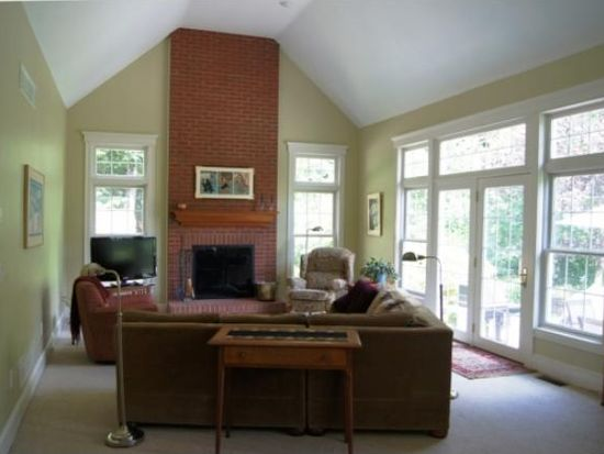 3 Indian Pond Ln, Amherst, NH 03031
