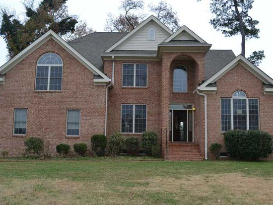 905 Churchill Dr, Chesapeake, VA 23322