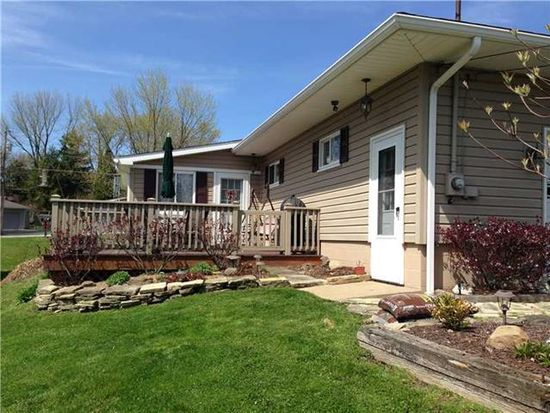 2885 Shadylane Dr, New Castle, PA 16105