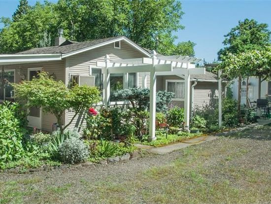 8284 Rogue River Hwy, Grants Pass, OR 97527