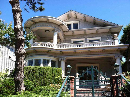 5260 16th Ave NE, Seattle, WA 98105