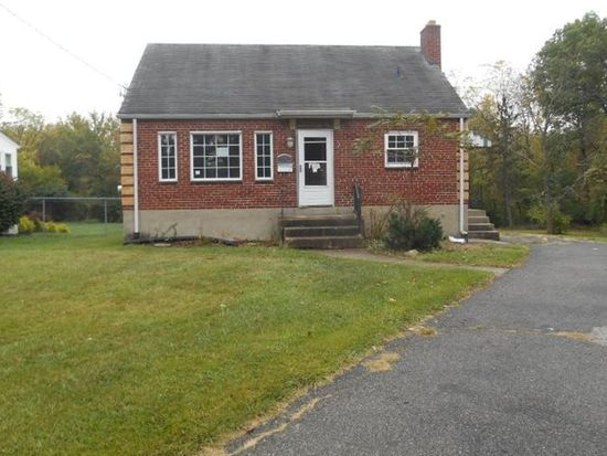 8101 Hollybrook Ct, Cincinnati, OH 45239