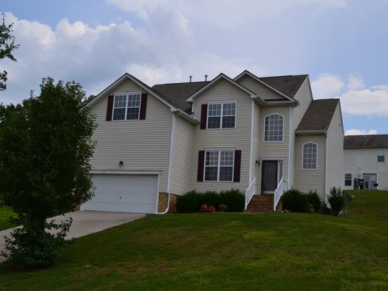 13113 Stockleigh Dr, Chester, VA 23831