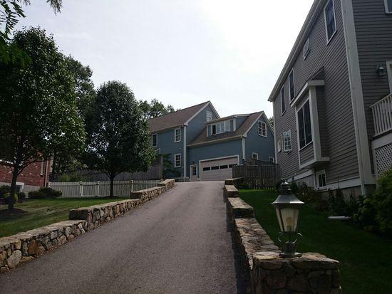 3 Marlin Rd # R, West Roxbury, MA 02132