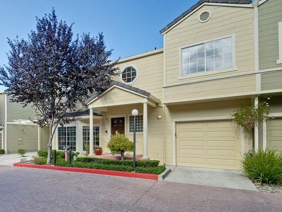 2062 Rialto Ct, Mountain View, CA 94043