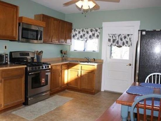 11 Colonial St, Gloucester, MA 01930