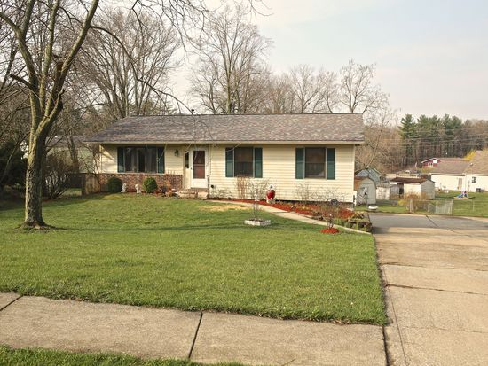 3911 W Woodhaven Dr, Bloomington, IN 47403
