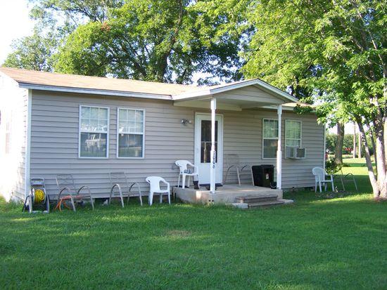 1006 E Chickasaw St, Wynnewood, OK 73098