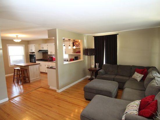 339 W Pleasant Ave, Sandwich, IL 60548