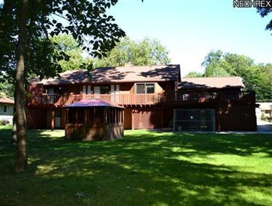 2130 Maple Rd, Stow, OH 44224