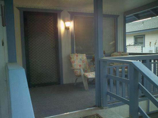 3722 Farnham Pl, Riverside, CA 92503