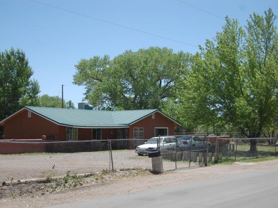 6924 Acequia Dr SW, Albuquerque, NM 87105