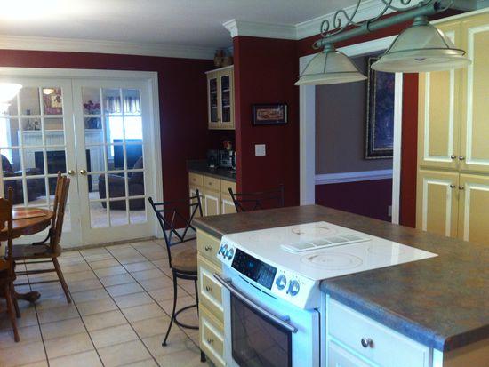 235 White Oak Rd, Central, SC 29630