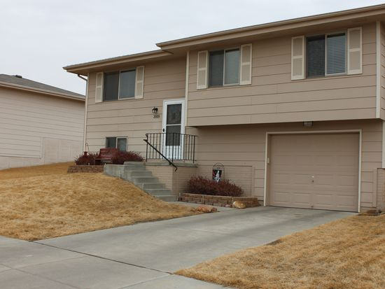2109 NW 54th St, Lincoln, NE 68528