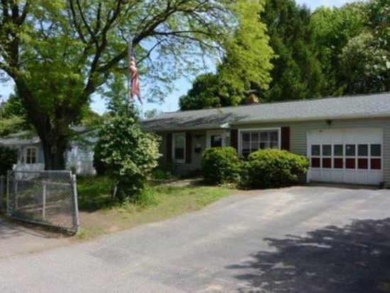 88 Amherst St, Lawrence, MA 01843