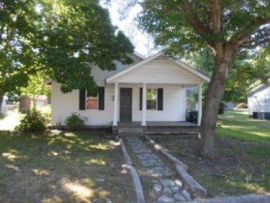 608 N Webb St, Selma, NC 27576