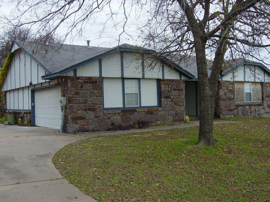 6215 Meadowside Ln, Tulsa, OK 74131