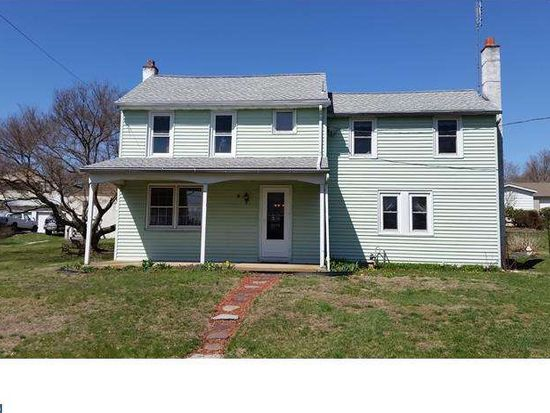 136 Egypt Rd, Mont Clare, PA 19453