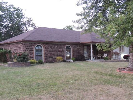 3602 Country Walk Dr, Indianapolis, IN 46227