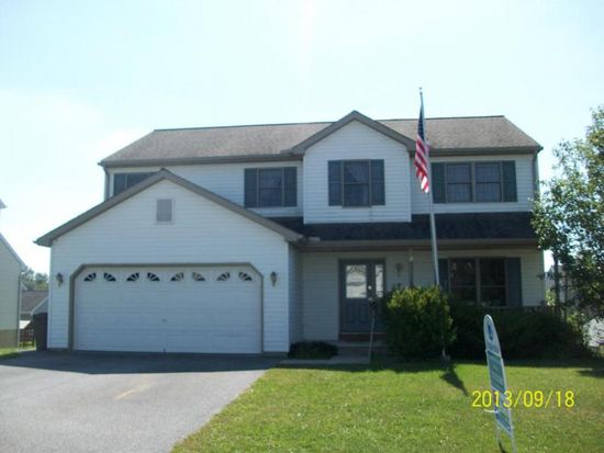 13 Mayflower Dr, Jonestown, PA 17038