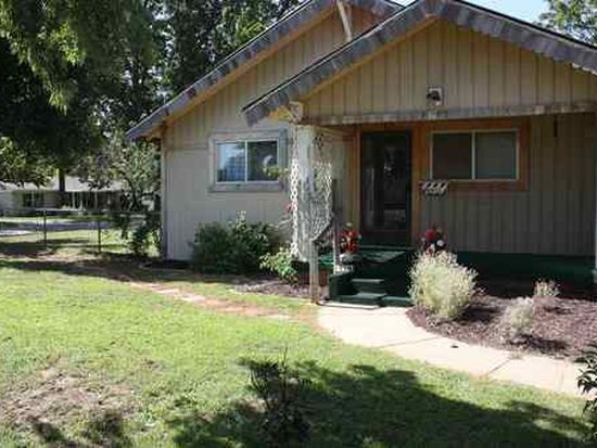 713 W Cherokee St, Marlow, OK 73055