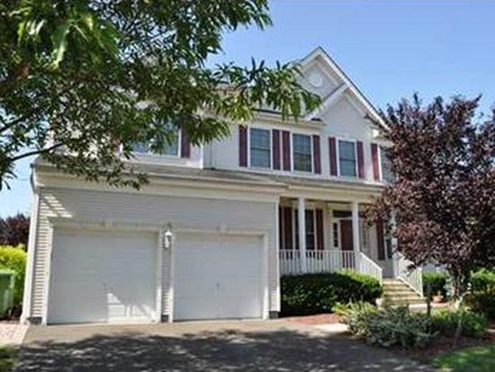 5 Roginski Ct, Parlin, NJ 08859