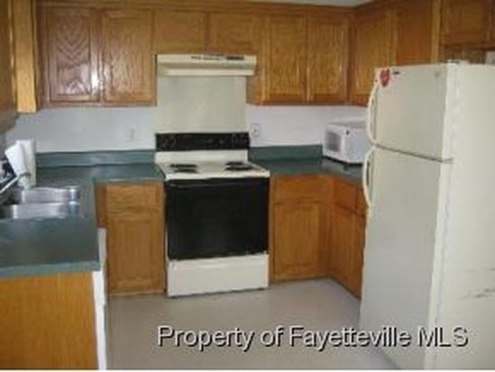 5208 Ballentine St, Hope Mills, NC 28348