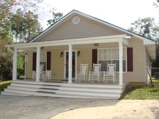105 Pinecrest Dr, Carriere, MS 39426