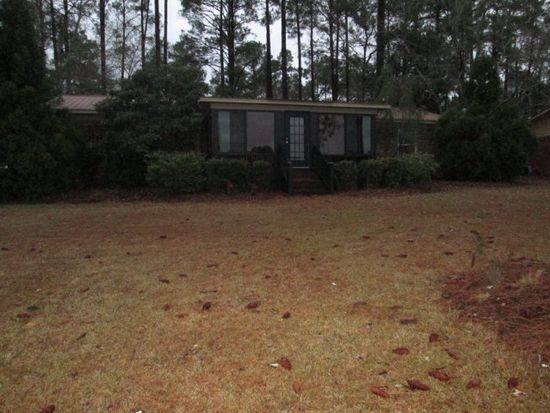 340 Lakewood Dr, Swainsboro, GA 30401