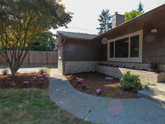 1618 SW 168th St, Normandy Park, WA 98166