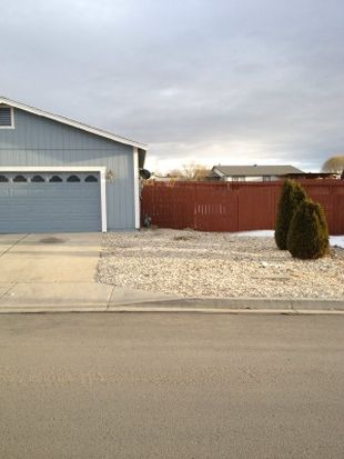 5710 Avalanche Dr, Sun Valley, NV 89433