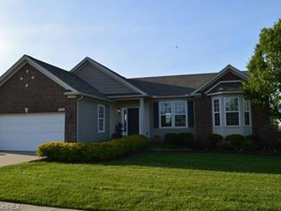 38404 Kingsbury Dr, North Ridgeville, OH 44039