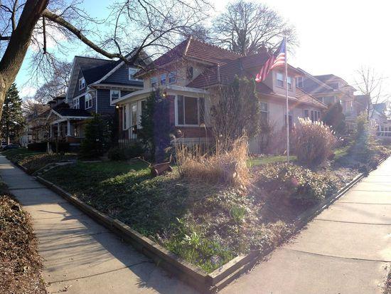303 Woodmere Ave SE, Grand Rapids, MI 49506