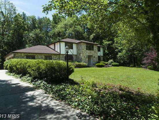 1251 Village Lake Dr, Davidsonville, MD 21035