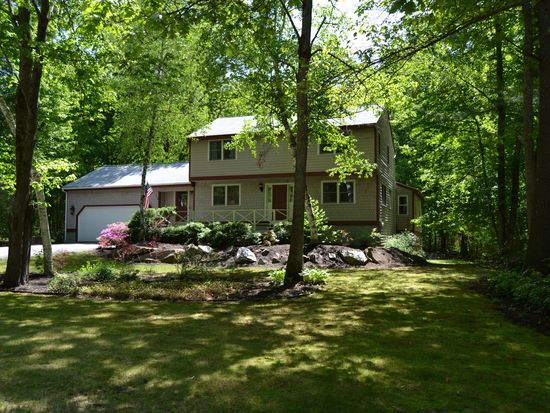 29 Winslow Farm Rd, Hudson, NH 03051