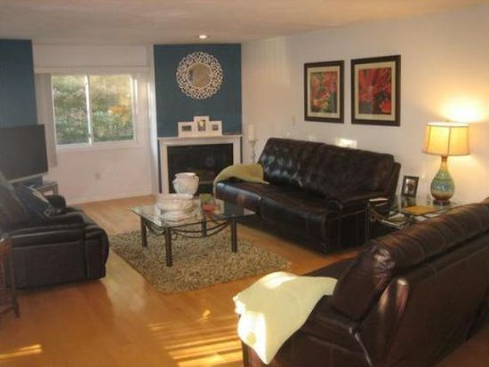 2 Captains Ln UNIT 2, Salem, MA 01970